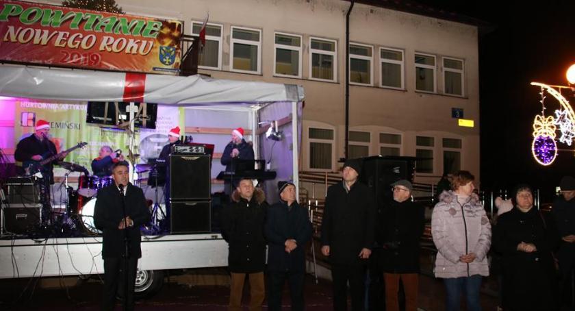 Imprezy, Mieszkańcy Celestynowa powitali - zdjęcie, fotografia