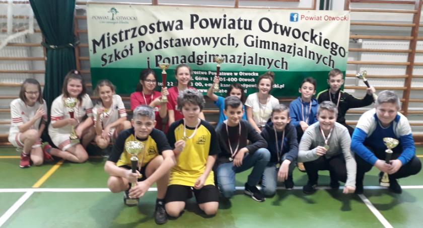 Tenis stołowy, medale uczniów Wiązowny mistrzostwach powiatu! - zdjęcie, fotografia