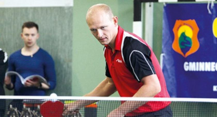 Tenis stołowy, Pingpongista Wiązowny walczy mistrzostwach świata - zdjęcie, fotografia