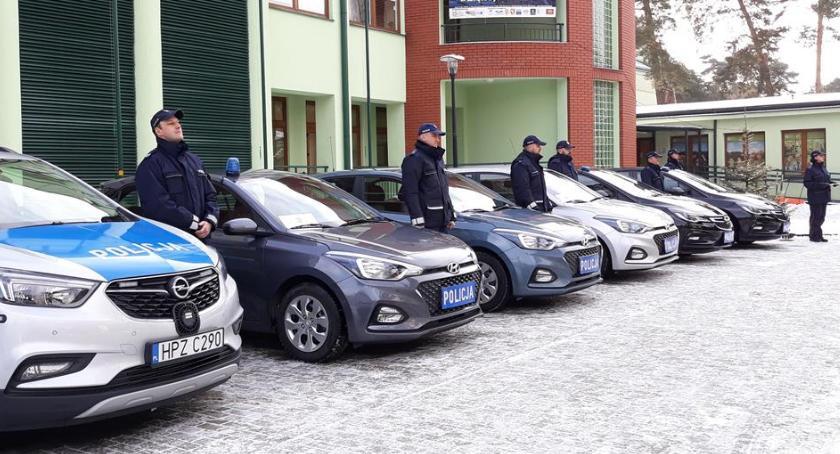 Bezpieczeństwo, Policjant otwocki interweniuje minut - zdjęcie, fotografia