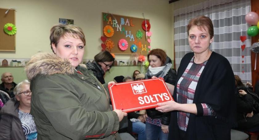 Urzędy, Zmiana sołtysa Dyzinie - zdjęcie, fotografia
