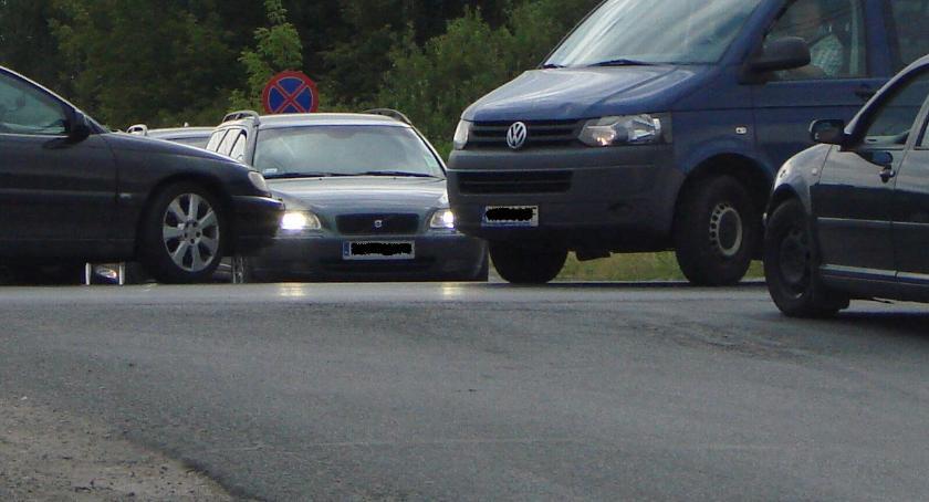 """Wypadki drogowe , zderzenia krajowej 17"""" - zdjęcie, fotografia"""