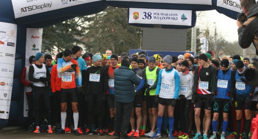 Bieganie, Półmaraton Wiązowski Informacje które ułatwią życie zawodów - zdjęcie, fotografia