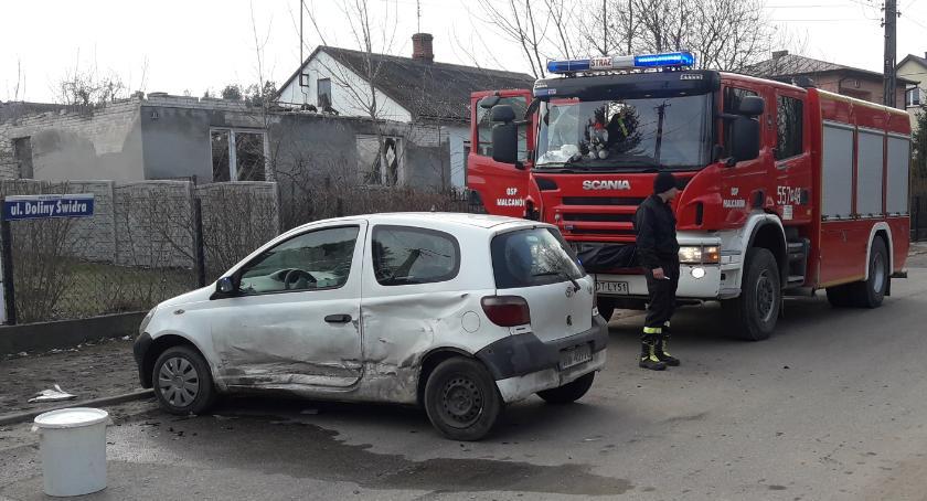Wypadki drogowe , młode osoby poszkodowane wypadku Karczewskiej - zdjęcie, fotografia