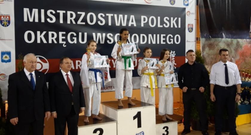 Sporty walki, Reprezentacja Kazoku mistrzostwach makroregionu - zdjęcie, fotografia