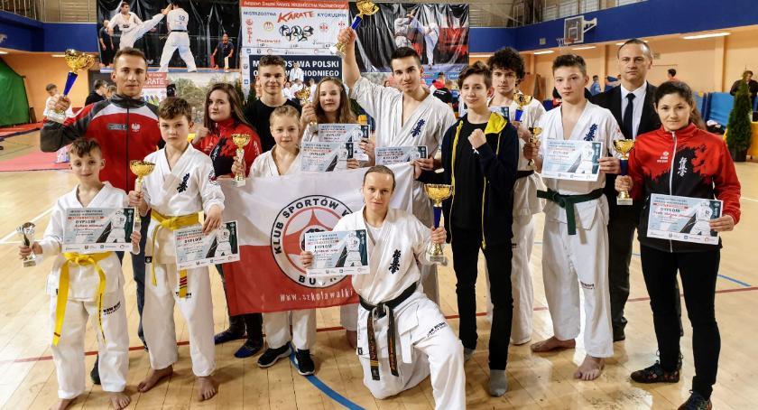 Sporty walki, złoto Bushi Radzyminie - zdjęcie, fotografia