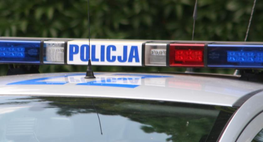 Kronika kryminalna, Dwóch nastolatków złapanych transakcji narkotykowej - zdjęcie, fotografia