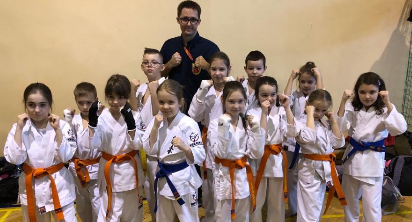 Sporty walki, Sukcesy Kazoku Mazowieckiej Lidze Karate - zdjęcie, fotografia