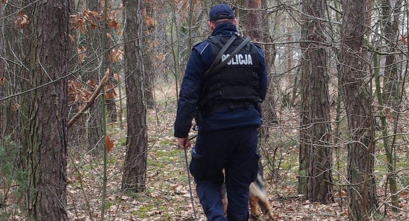 Kronika kryminalna, Skazany rozbój mieszkaniec Osiecka złapany - zdjęcie, fotografia