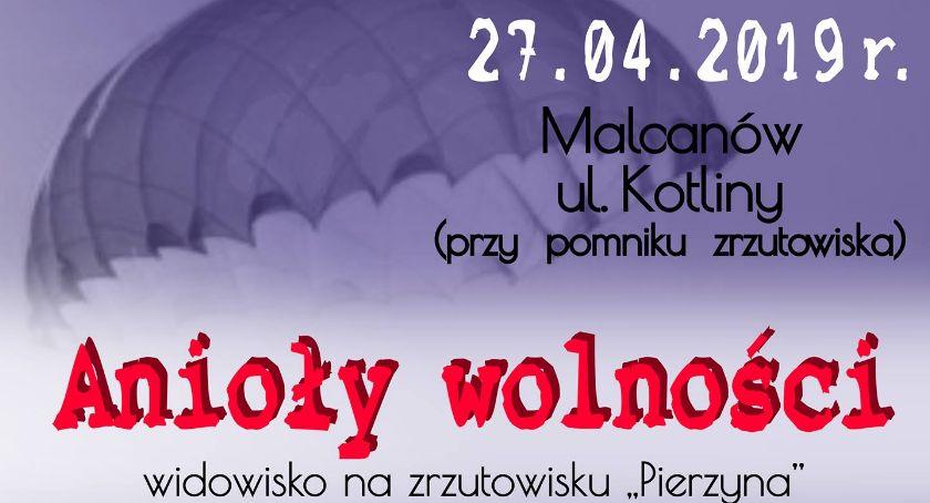 Imprezy, Anioły wolności widowisko Zrzutowisku Pierzyna - zdjęcie, fotografia