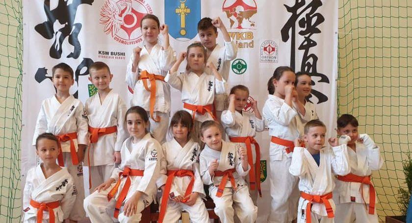 Sporty walki, Rosną kolejni mistrzowie karate… - zdjęcie, fotografia