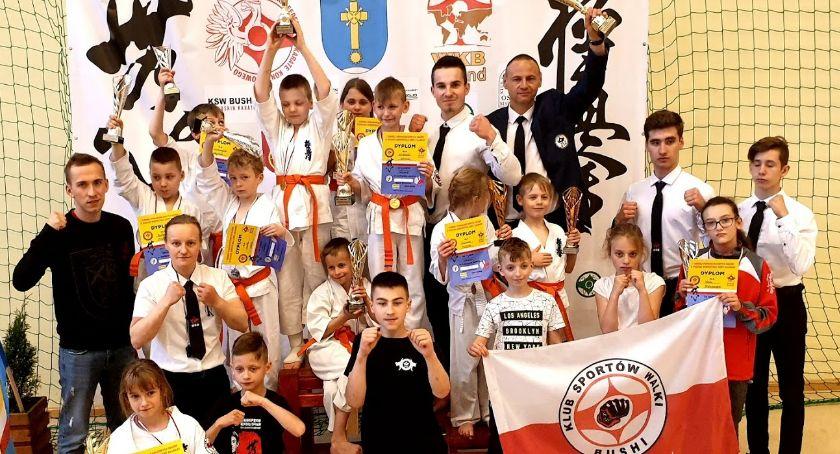 Sporty walki, Zawodnicy Bushi najlepsi drużynowo - zdjęcie, fotografia
