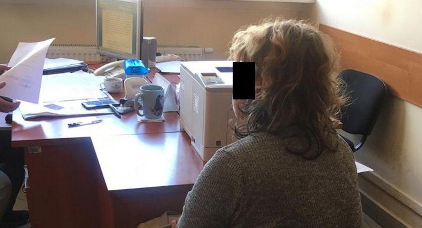 Kronika kryminalna, Pół społecznych kradzież karczewskim sklepie - zdjęcie, fotografia