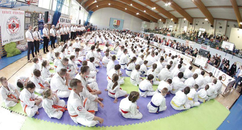 Sporty walki, Turniej Karate Kyokushin Puchar Burmistrza Józefowa - zdjęcie, fotografia