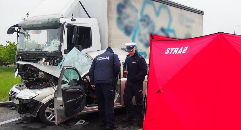 Wypadki drogowe , Śmierć mieszkańca gminy Sobienie Jeziory wypadku DW801 - zdjęcie, fotografia