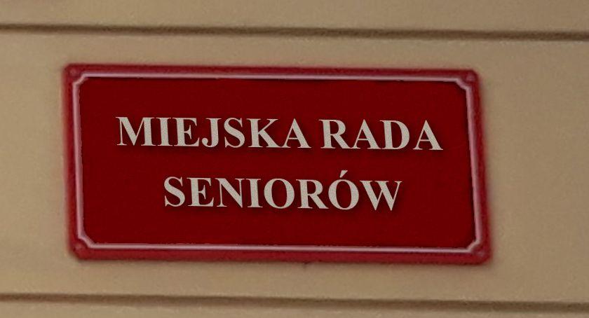 """Stowarzyszenia - Fundacje - NGO, Miejska Seniorów Otwocku dotknięta """"grzechem pierworodnym"""" - zdjęcie, fotografia"""