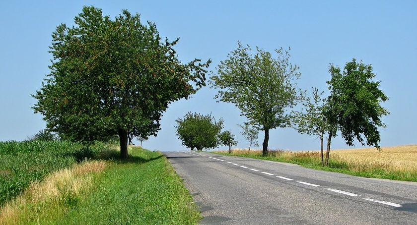 Inwestycje, Dofinansowania drogi wiejskie czterech gminach powiatu otwockiego - zdjęcie, fotografia