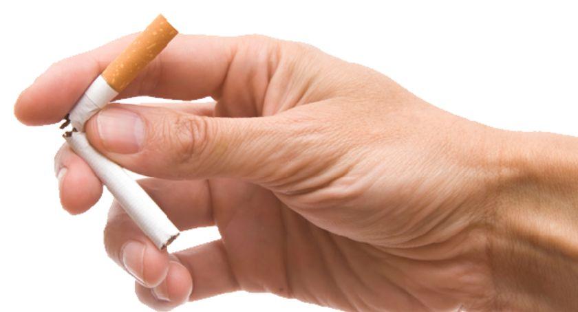 Zdrowie - szpital , Światowy Dzień Tytoniu okazja rzucenia nałogu - zdjęcie, fotografia