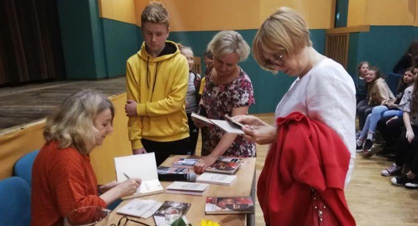 Edukacja - nauka, Onichimowska spotkała uczniami otwockich szkół - zdjęcie, fotografia