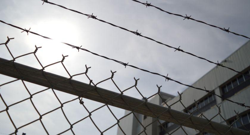 Bezpieczeństwo, Warunkowe zawieszenie pozbawienia wolności - zdjęcie, fotografia