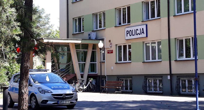 Kronika kryminalna, Dwoje złodziei napastników kratkami - zdjęcie, fotografia