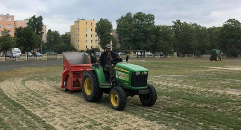 Piłka nożna, Ruszyły prace remontowe - zdjęcie, fotografia