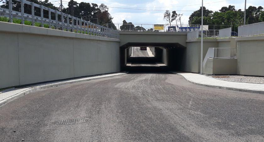 Inwestycje, Otwock przejazd kolejowy Majowej otwarty - zdjęcie, fotografia
