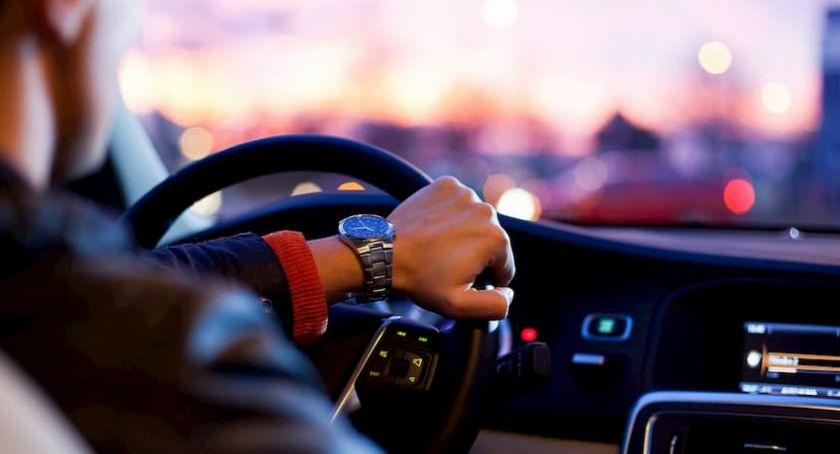 Tekst sponsorowany, Kupujesz używany samochód Pamiętaj obowiązkach nowego właściciela - zdjęcie, fotografia