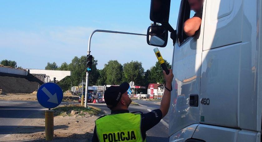 Kronika kryminalna, Jeden drzewo drugi parkan - zdjęcie, fotografia