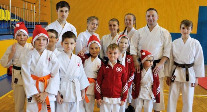 Sporty walki, Mikołajkowy Turniej Karate Jaktorowie - zdjęcie, fotografia