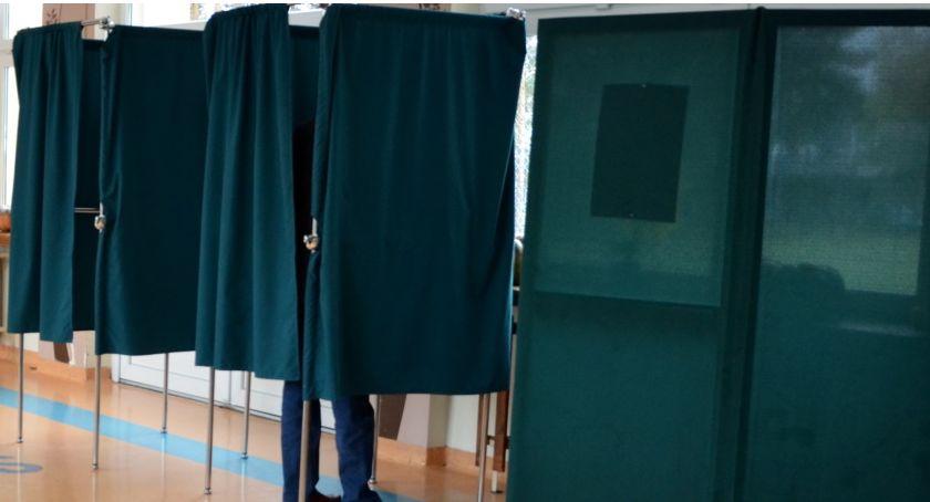 Polityka, wyborach parlamentarnych głosował powiat otwocki - zdjęcie, fotografia