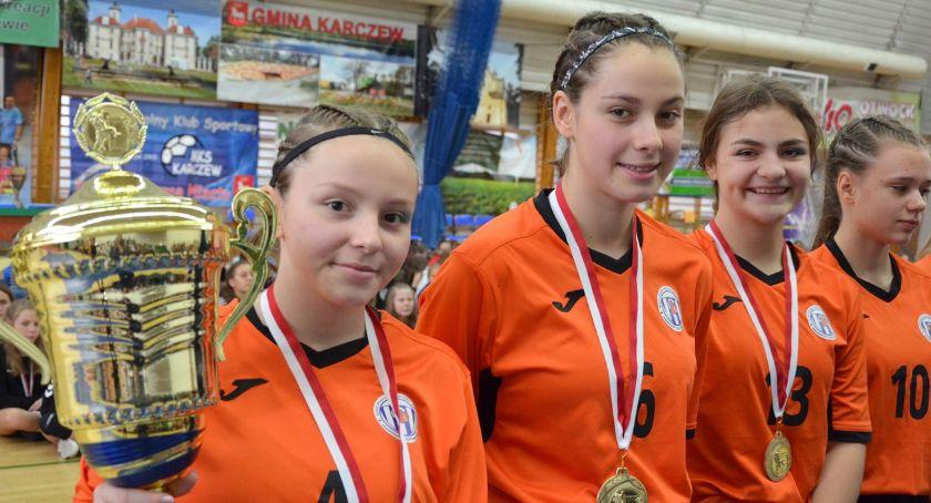 Piłka ręczna, Kadra Śląska Tuzinek Gniezno triumfują Karczew Cup' - zdjęcie, fotografia
