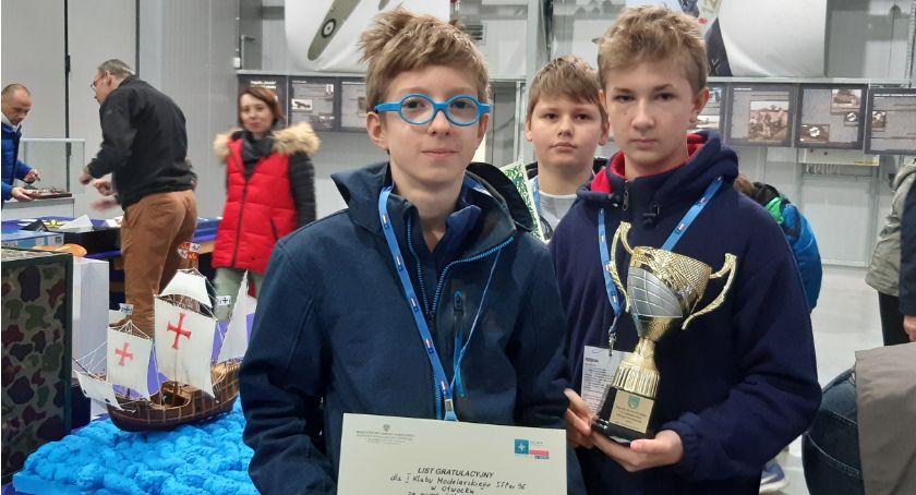 Edukacja - nauka, Otwoccy uczniowie laureatami ogólnopolskiego mityngu modelarskiego - zdjęcie, fotografia
