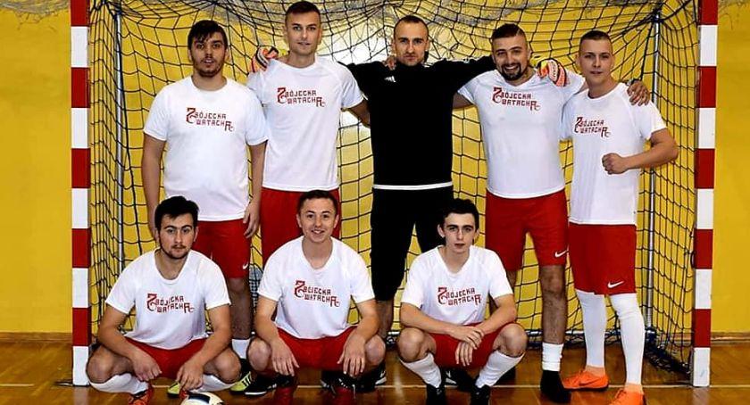 Piłka nożna, Wychowankowie Ogniska Wychowawczego Świder zwycięzcami turnieju Niepodległości - zdjęcie, fotografia