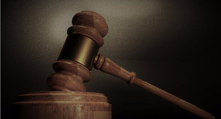 Prawo, Sądne popołudnie - zdjęcie, fotografia