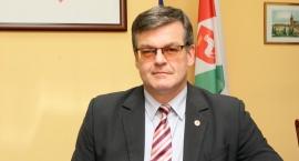 Polemika burmistrza Karczewa: Krzywym okiem radnego…