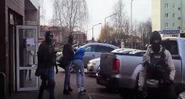Duża akcja policji na osiedlu Ługi