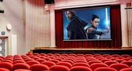 Gwiezdne otwarcie kina Oaza
