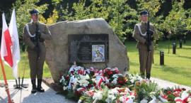 Apel poległych leśników na symbolicznym cmentarzu w CEL w Celestynowie