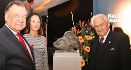 Rzeźbiarz Ryszard Kozłowski doceniony przez marszałka