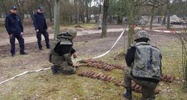 Wojenny arsenał w otwockim parku miejskim