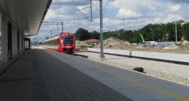 Dwa tygodnie utrudnień dla pasażerów pociągów oraz kierowców