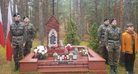 Zuzanów uczcił bezimiennych żołnierzy poległych w czasie II wojny światowej