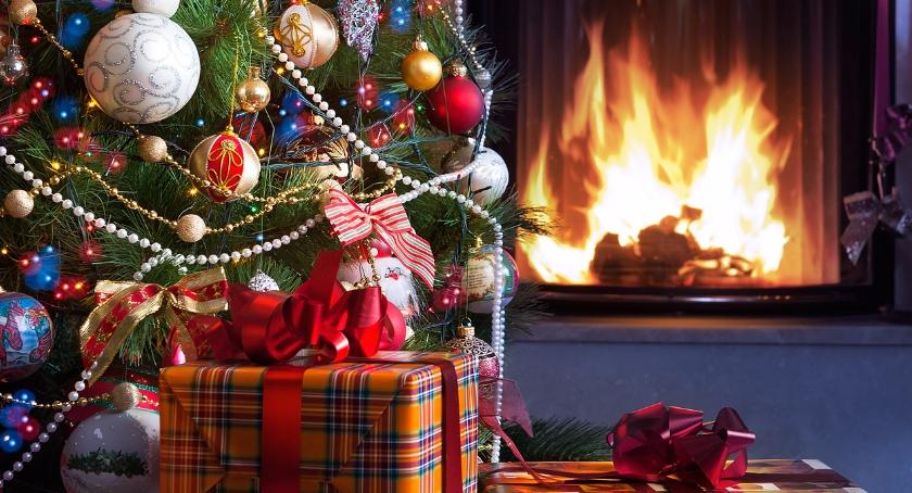 Moda, Święta pasem prezenty - zdjęcie, fotografia