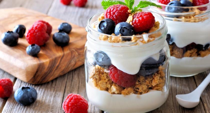 Wizaż, Koktajle owocowe bazie jogurtu pyszny sposób poświąteczne odchudzanie - zdjęcie, fotografia