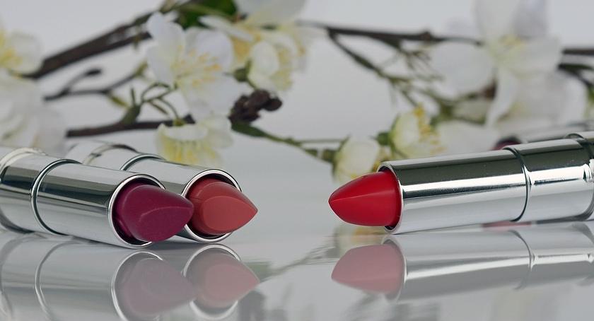 Wizaż, Najmodniejsze kolory szminek wiosna - zdjęcie, fotografia