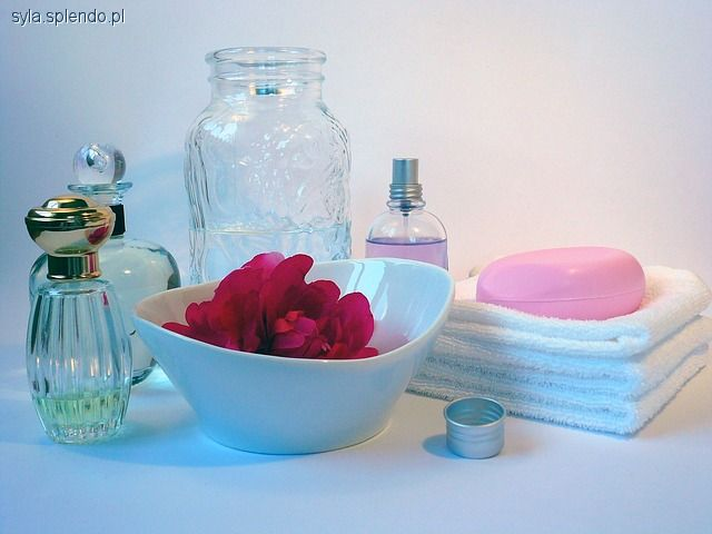 Perfumy, Wyjątkowe zapachy dłużej - zdjęcie, fotografia
