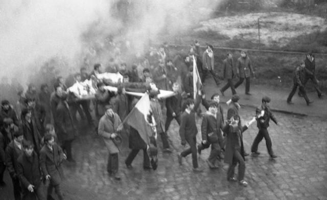 Felietony, Gomułka oszukany czyli Grudniu '70 cynicznie doprowadzono przelewu - zdjęcie, fotografia