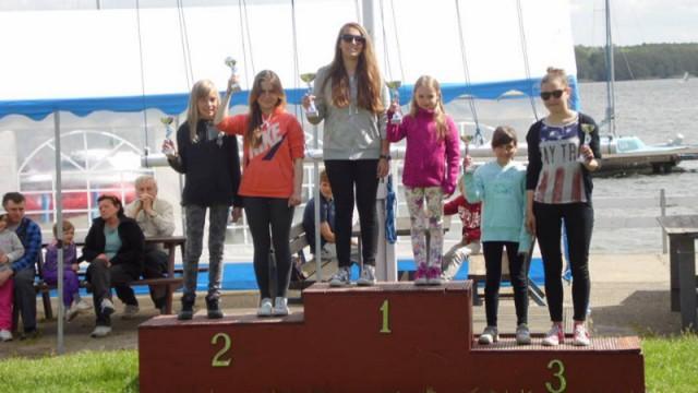 Sport, Pretendentka tytułu mistrza świata żeglarstwie Żabiej pozostawiona pieniędzy - zdjęcie, fotografia