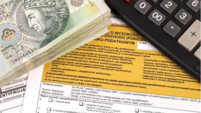 Na sygnale, Fiskus skontrolować twoje dochody Uważaj mogą oszuści! - zdjęcie, fotografia